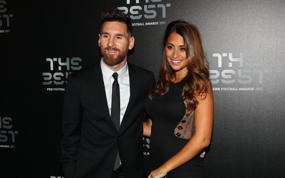 Аржентинската суперзвезда Лионел Меси отпразнува със семейството си 32-ия си