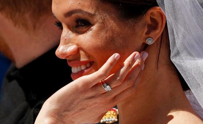 Булка се омъжи с рокля, като тази на Меган Маркъл