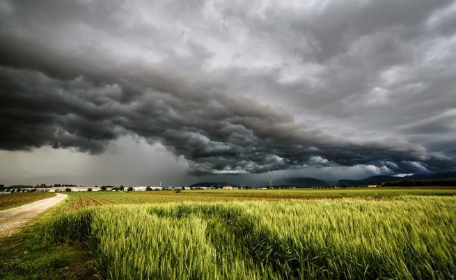 Как да разпознаем, че наближава буря