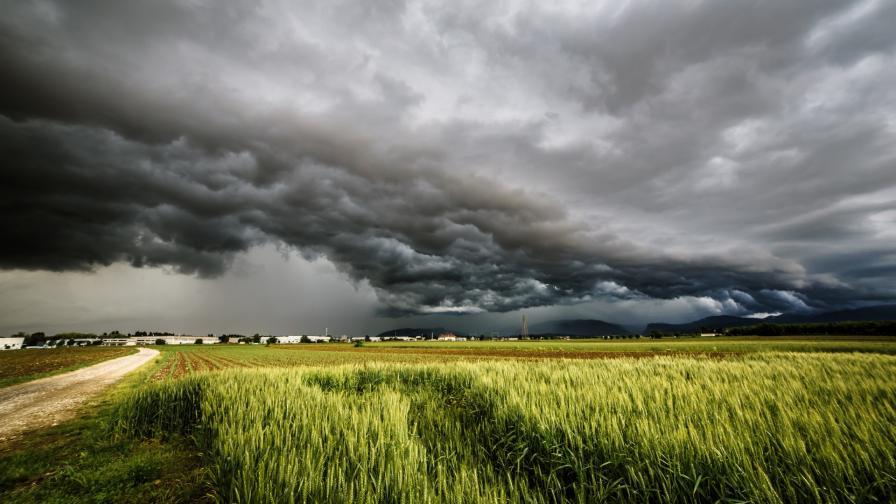 <p>Как да разпознаем, че наближава буря</p>