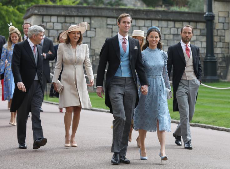 <p>(В крайно дясно) На сватбата на лейди Габриела Уиндзор и Томас Кингстън, 2019 г.</p>