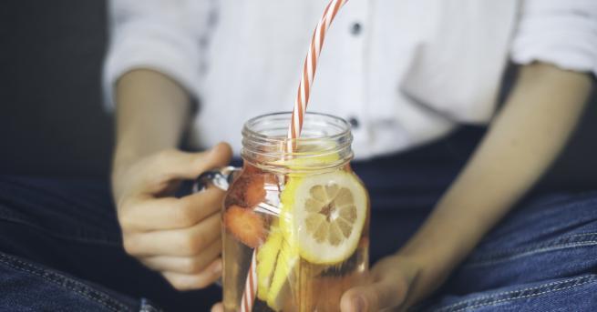 Лимонъте сред най-популярните цитрусови плодове. Той е известен с високото