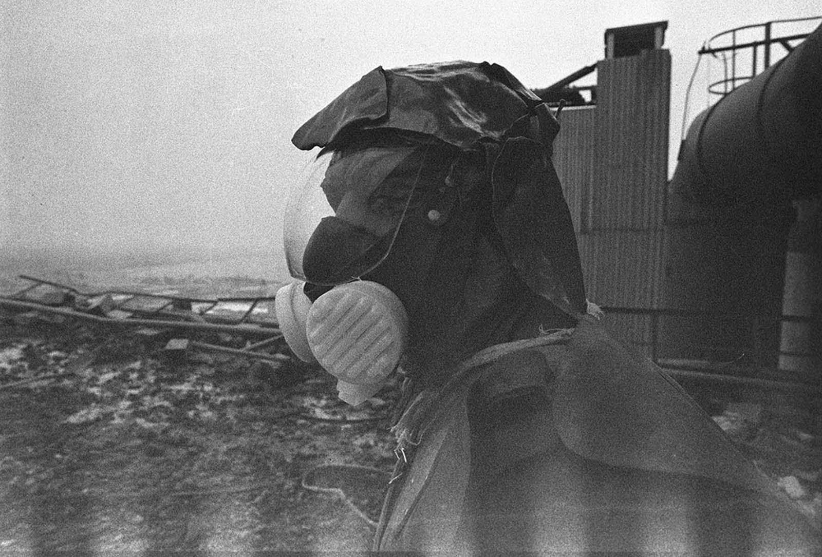 Ликвидатор, участващ в разчистването на покрива на Трети реактор.