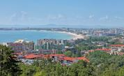 """Търсят хотел за настаняване на туристи под карантина в """"Слънчев бряг"""""""