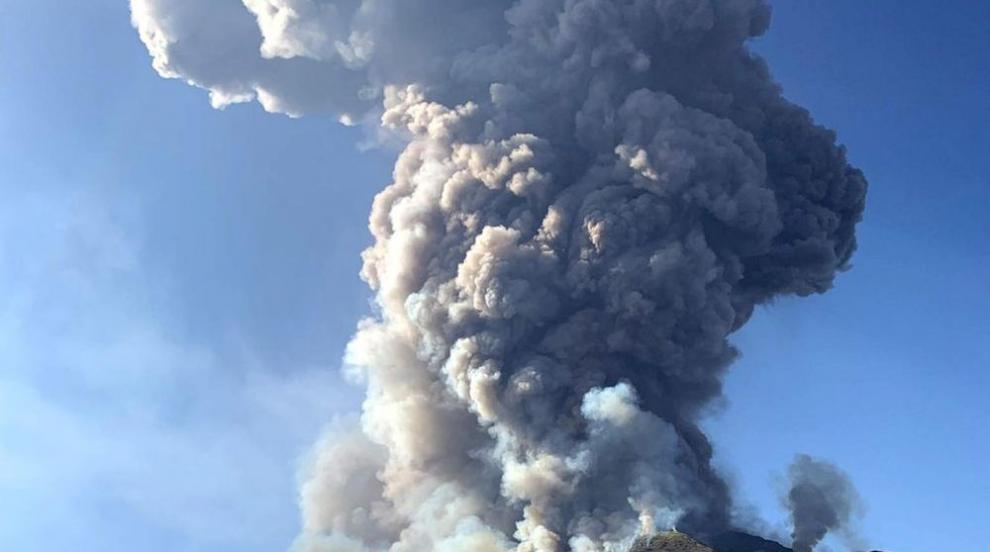 8 души  все още са в неизвестност след изригването на вулкан в Нова Зеландия...