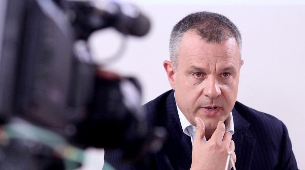 Кошлуков пред СЕМ: Жената на Горан Благоев - платен...