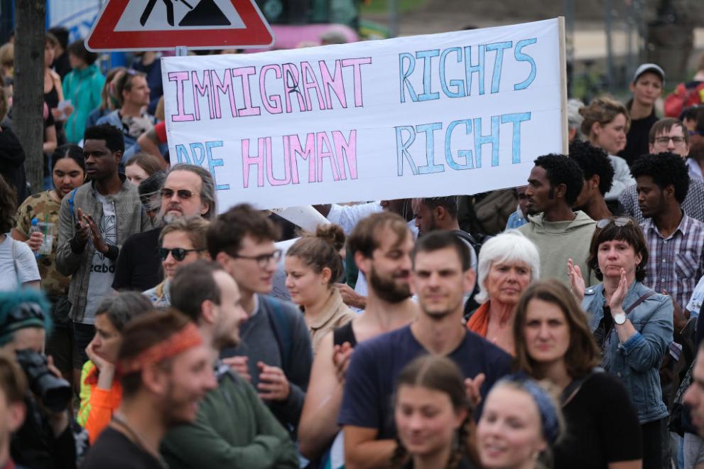 протести Германия мигранти