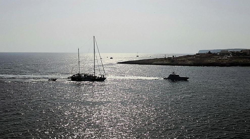 Обрат: И Малта забрани на кораба