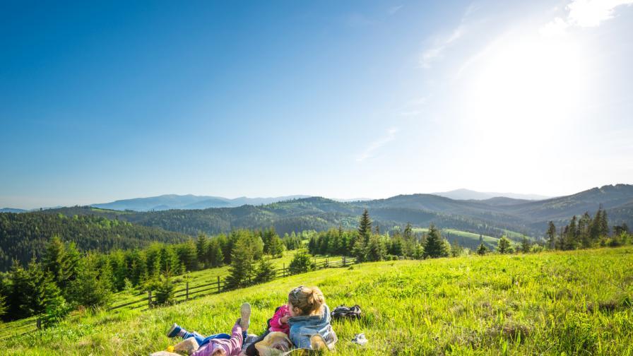 Слънце и до 32° днес, какво ще е времето в почивните дни