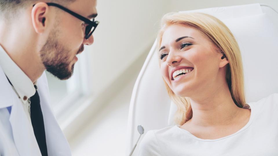 зъболекар жена