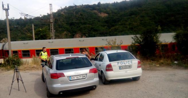 Влакът Дупница-София прегази жена, информират от ОД на МВР-Кюстендил. Тази