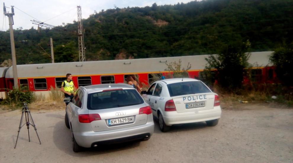 Влакът Дупница-София прегази жена, легнала на релсите