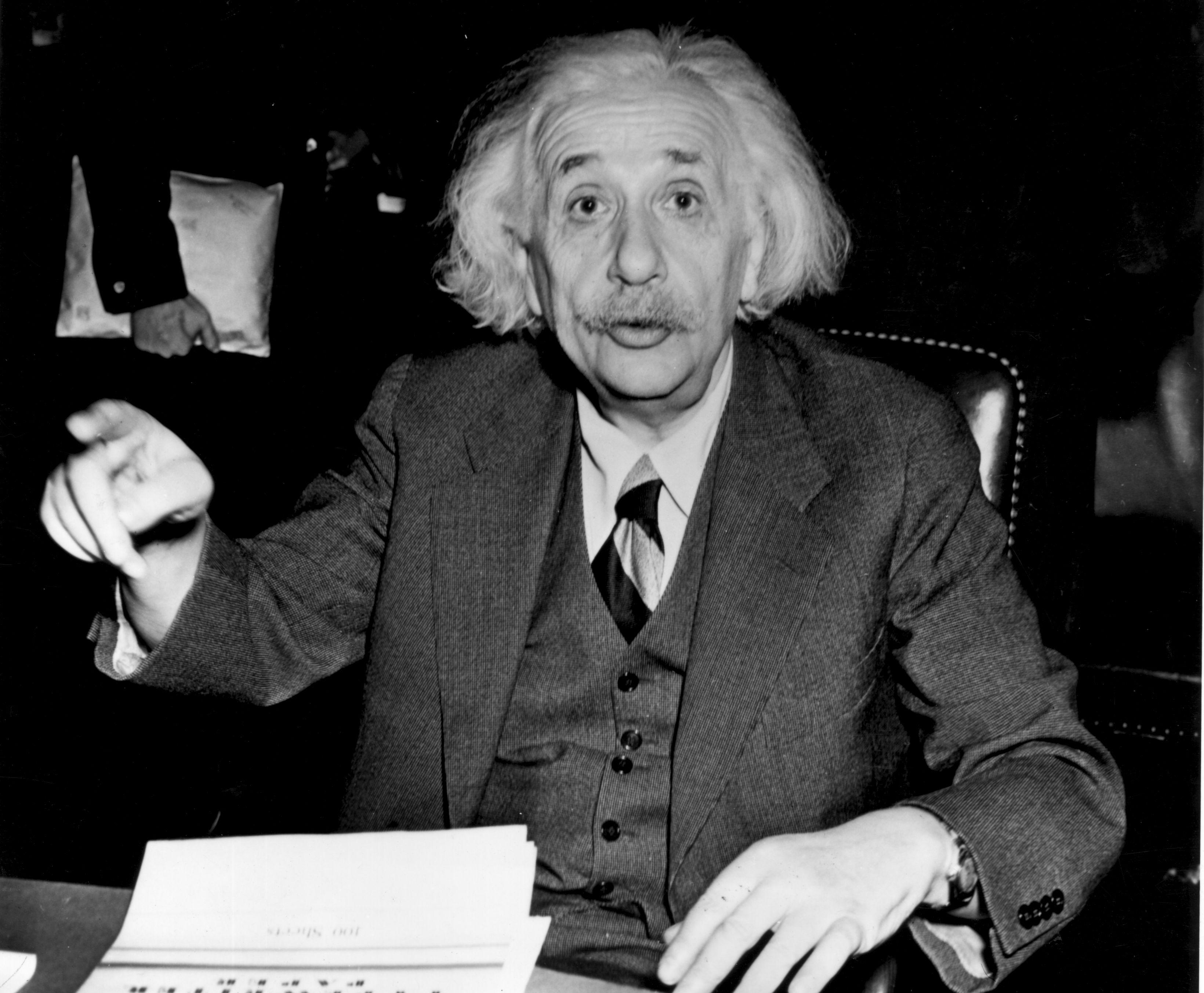 Интелигентността на Айнщайн може и да е неповторима, но носът му със сигурност не е. Носът от този тип е най-разпространен в световен мащаб както сред мъжете, така и сред жените. Според проучвания около 25% от населението на Земята има точно такъв нос.