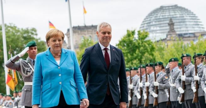 Германската канцлеркаАнгела Меркелбеше забелязана да трепери отново по време на