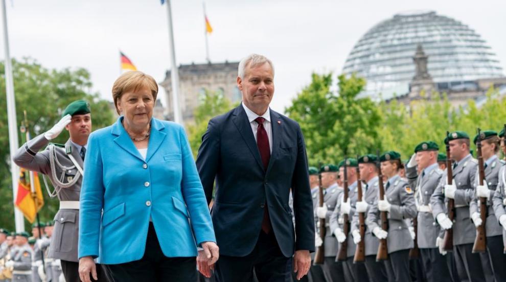 Пореден пристъп на Ангела Меркел (ВИДЕО)
