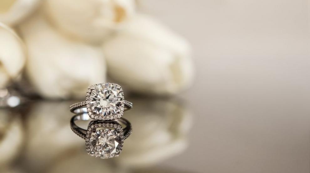 Годежен пиърсинг заменя традиционния пръстен? (СНИМКИ)