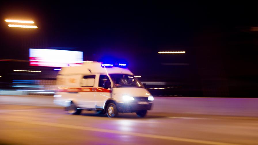 Катастрофира линейка, в която били Арабаджиеви