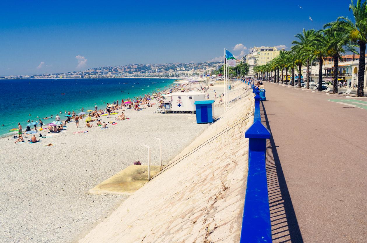 Английската алея и част от плажната ивица на Ница
