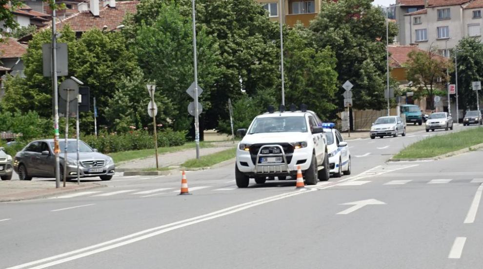 Блъснаха дете на пешеходна пътека в Благоевград (СНИМКИ)