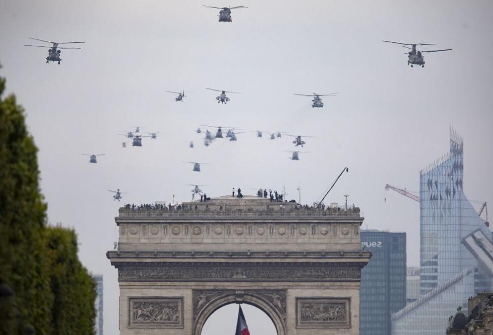 Военен парад в Париж