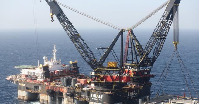 Свят Битка за газовите находища в Средиземно море Докато по