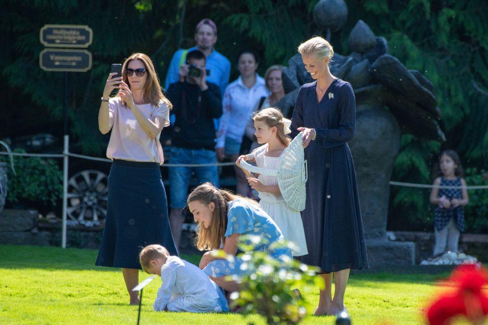 Шведската престолонаследничка принцеса Виктория отпразнува 42-ия си рожден ден