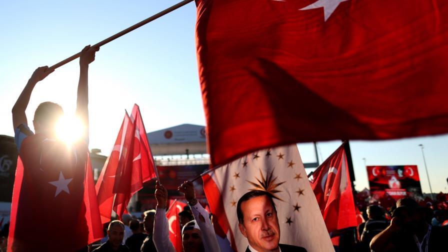 <p>Денят, който промени съвременна Турция</p>