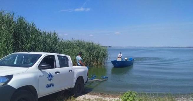 Незаконни мрежи за улов на риба, забранени способи и нощен