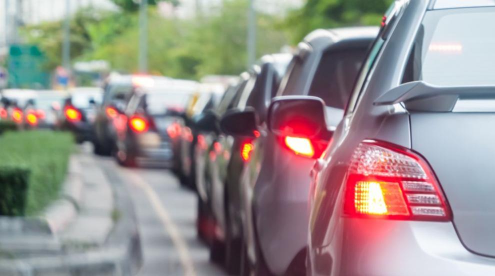 Засилен трафик по пътищата в страната