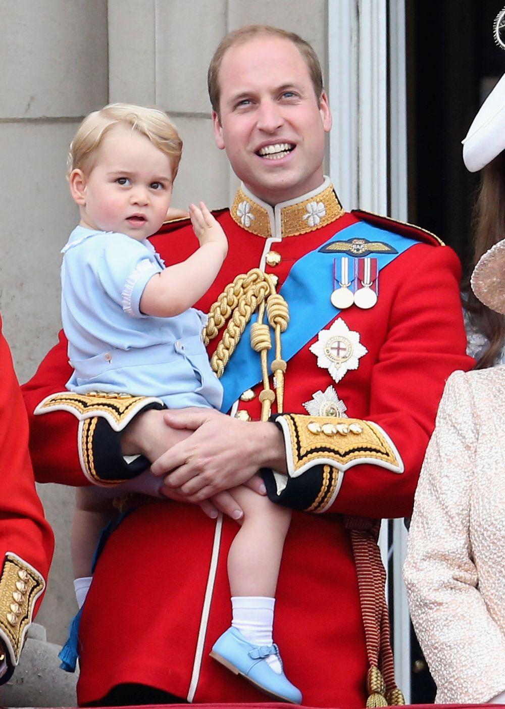 Принц Джордж е първородният син на Кейт Мидълтън и принц Уилям
