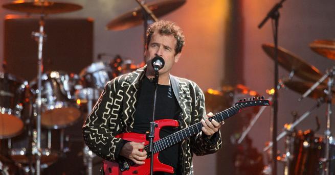 Почина южноафриканският музикант Джони Клег, предаде ТАСС, като се позова