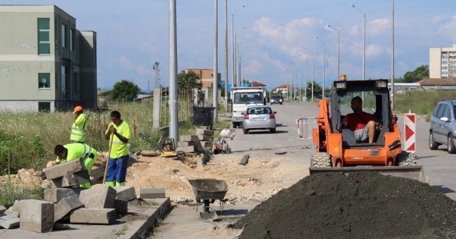Ремонтни дейности се извършват на път II-59 Крумовград – Ивайловград