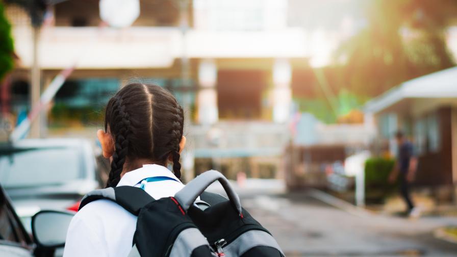 Стотици училища без плод и мляко