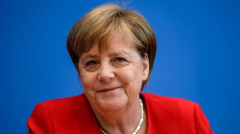 Меркел обеща целите за климата да залегнат в закон