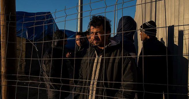 Властите в северноафриканския испански анклав Мелиля съобщиха, че около 200