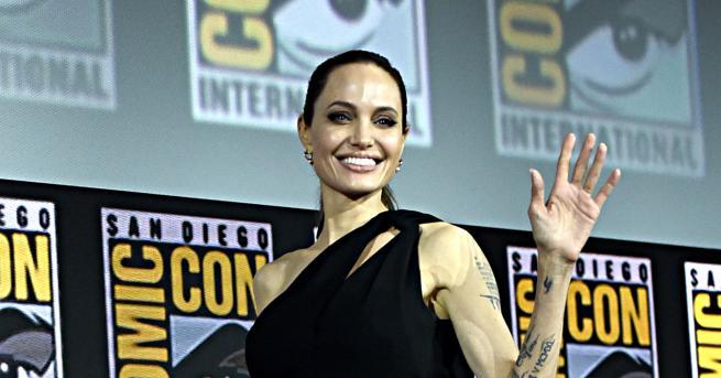 Американската актриса Анджелина Джоли официално потвърди, че се присъединява в