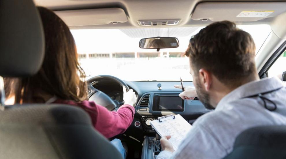 Сериозен ръст на желаещите да изкарат шофьорска книжка (ВИДЕО)