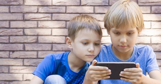Използването на смартфони и таблети от децата има както предимства,