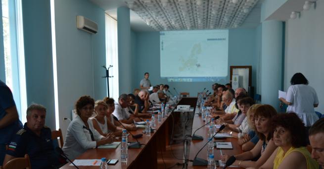проф.ГеоргиевЕдинствено кметът на Комощица Росен Илиев е потърсил съвет в