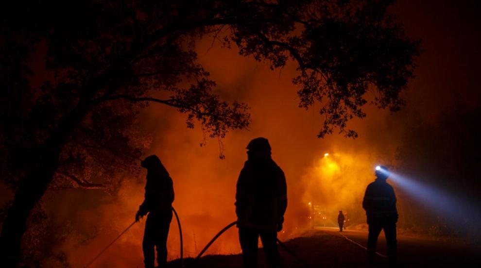 32 души са пострадали при голям горски пожар в Португалия