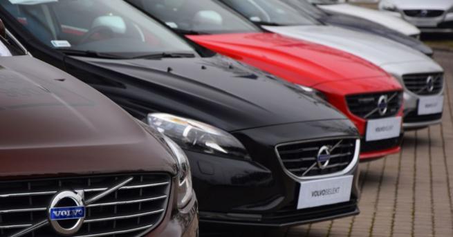 Volvo изтегля почти 70 000 автомобила във Великобритания заради риска