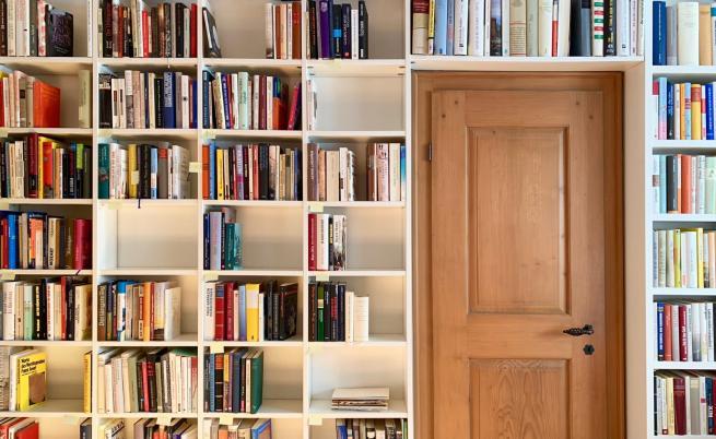 Хитри начини да намерите място на книгите у дома
