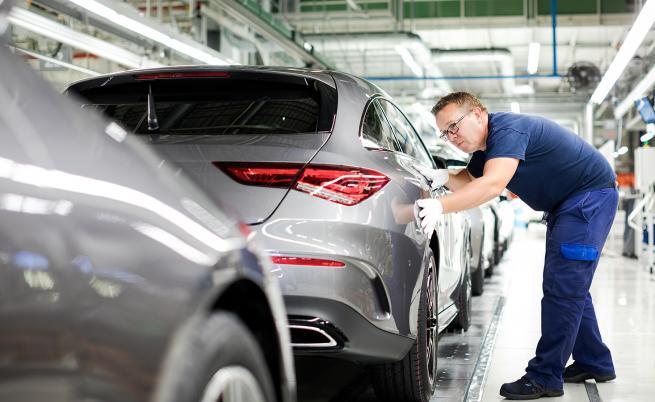 Втора китайска компания взе акции в Daimler