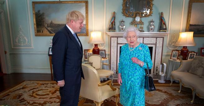 Британската кралица Елизабет Втора даде на премиера Борис Джонсън разрешение
