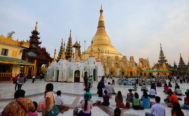 Най-свещената будистка пагода в Мианмар