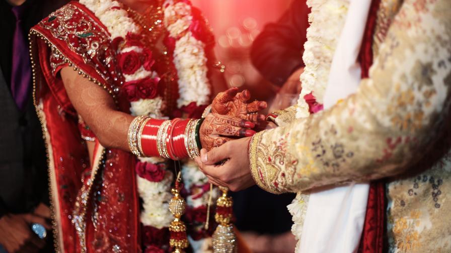 В Индия: Пищност, злато, ефекти и в сватбените снимки