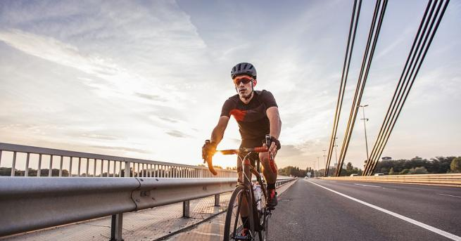 Унгарски студент постави с колелото си Гинес рекорд, като посети