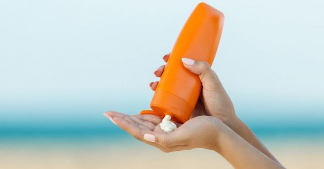 Макар и в жегите слънцезащитните кремове да са задължителни за