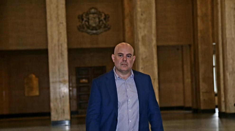 Етичната комисия ще оцени нравствените качества на Гешев
