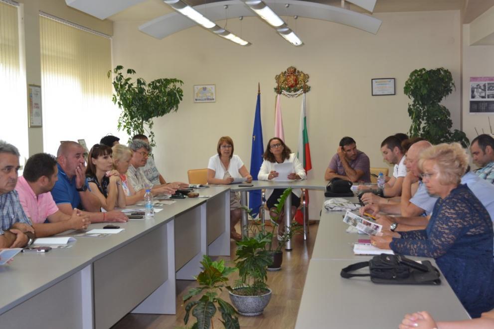 46b01adefd1 Населените места в община Казанлък са извън санитарната зона заради чумата  по свинете